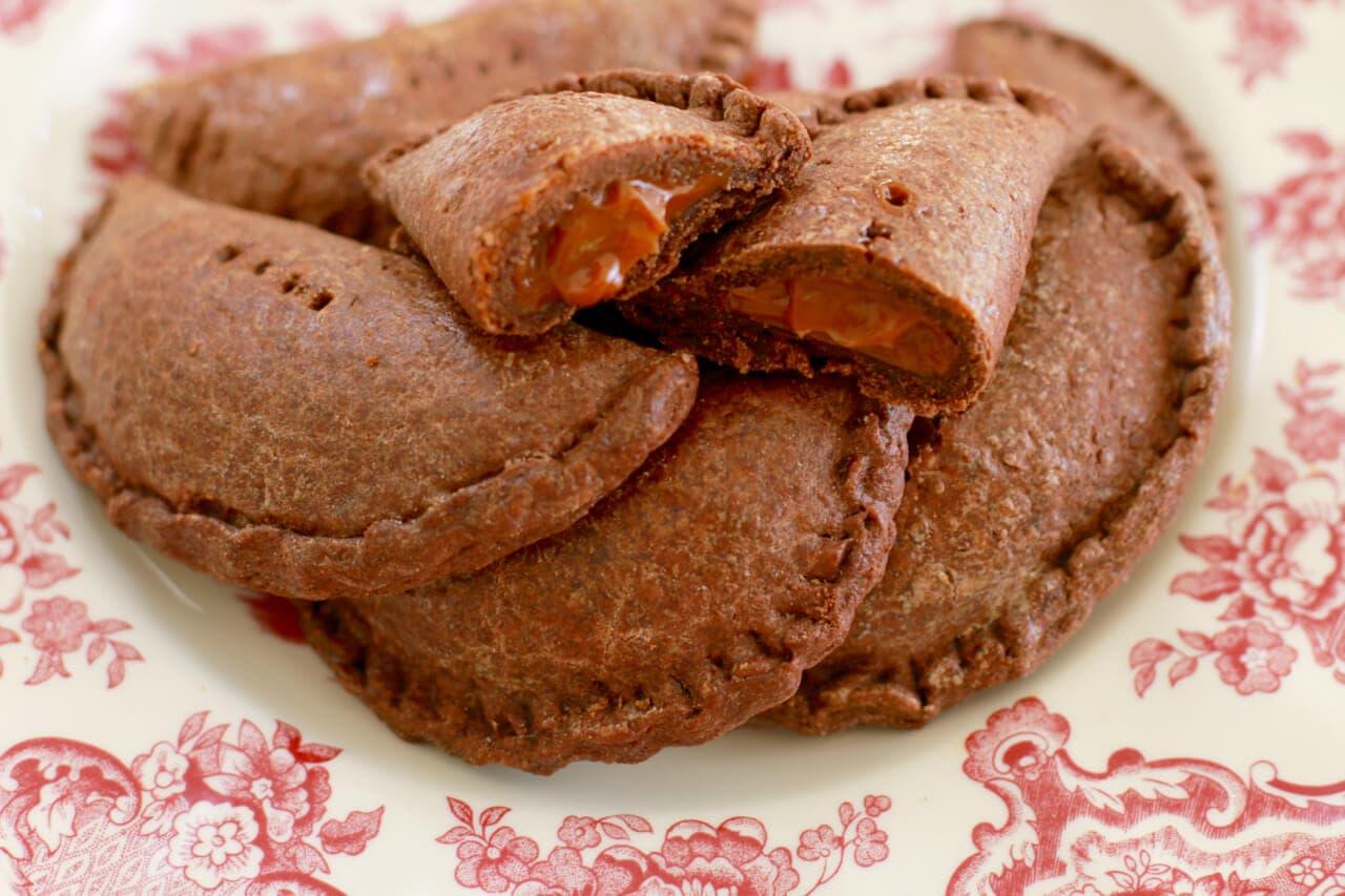 Chocolate Dulce de Leche Empanadas