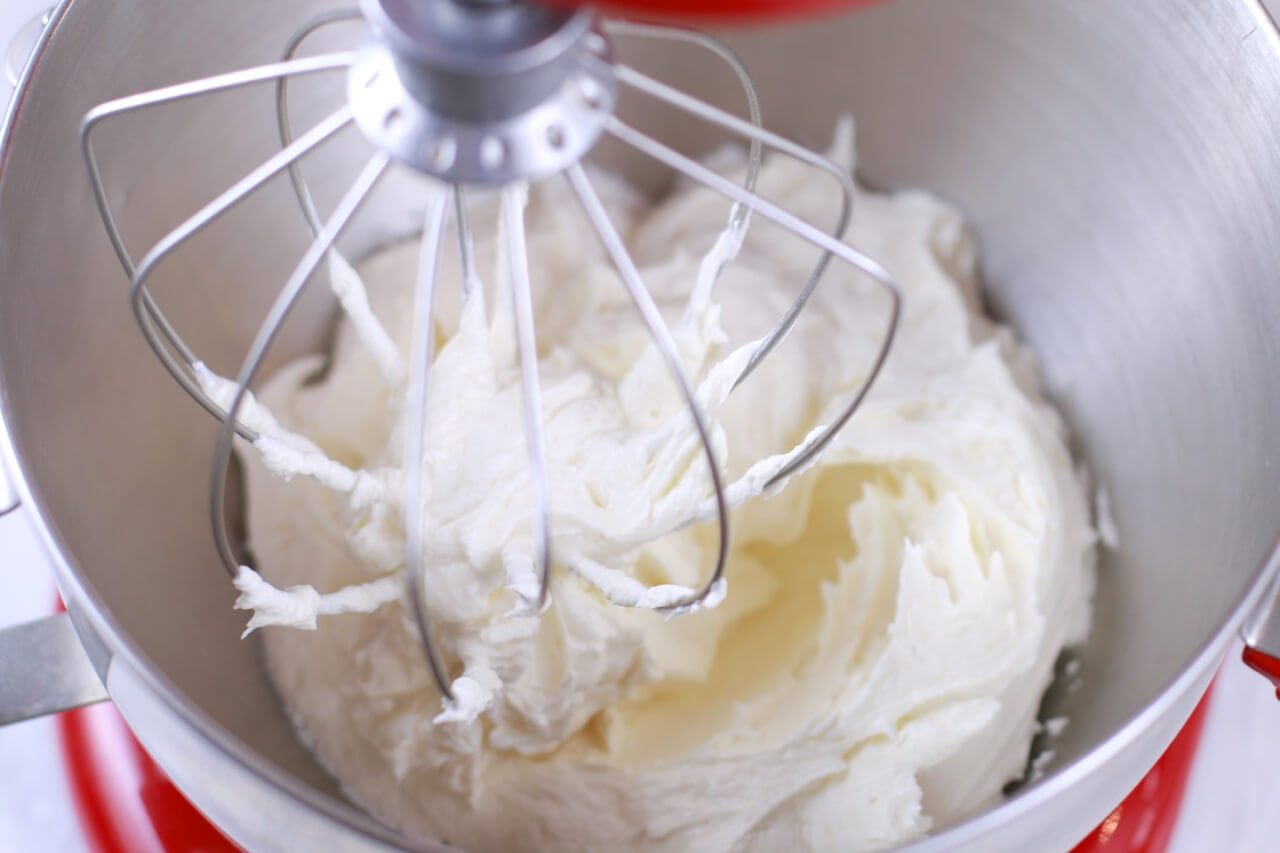 Vanilla Buttercream Frosting Recipe: Follow my chef-tested technique to making the best ever icing recipe!