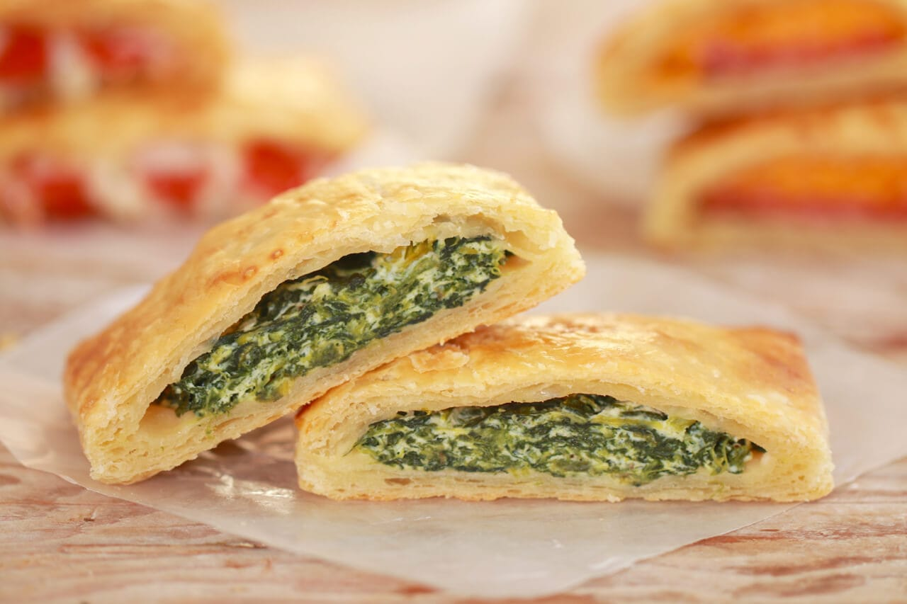 Spinach Ricotta Pop-Tarts! A Pop-Tart like you have never seen them before. Who says they have to be sweet to be delicious??