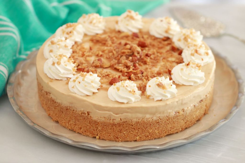 No Bake Dulce de Leche Cheesecake - The only thing that could be better than the flavor is that it's No Bake Cheesecake!!!!