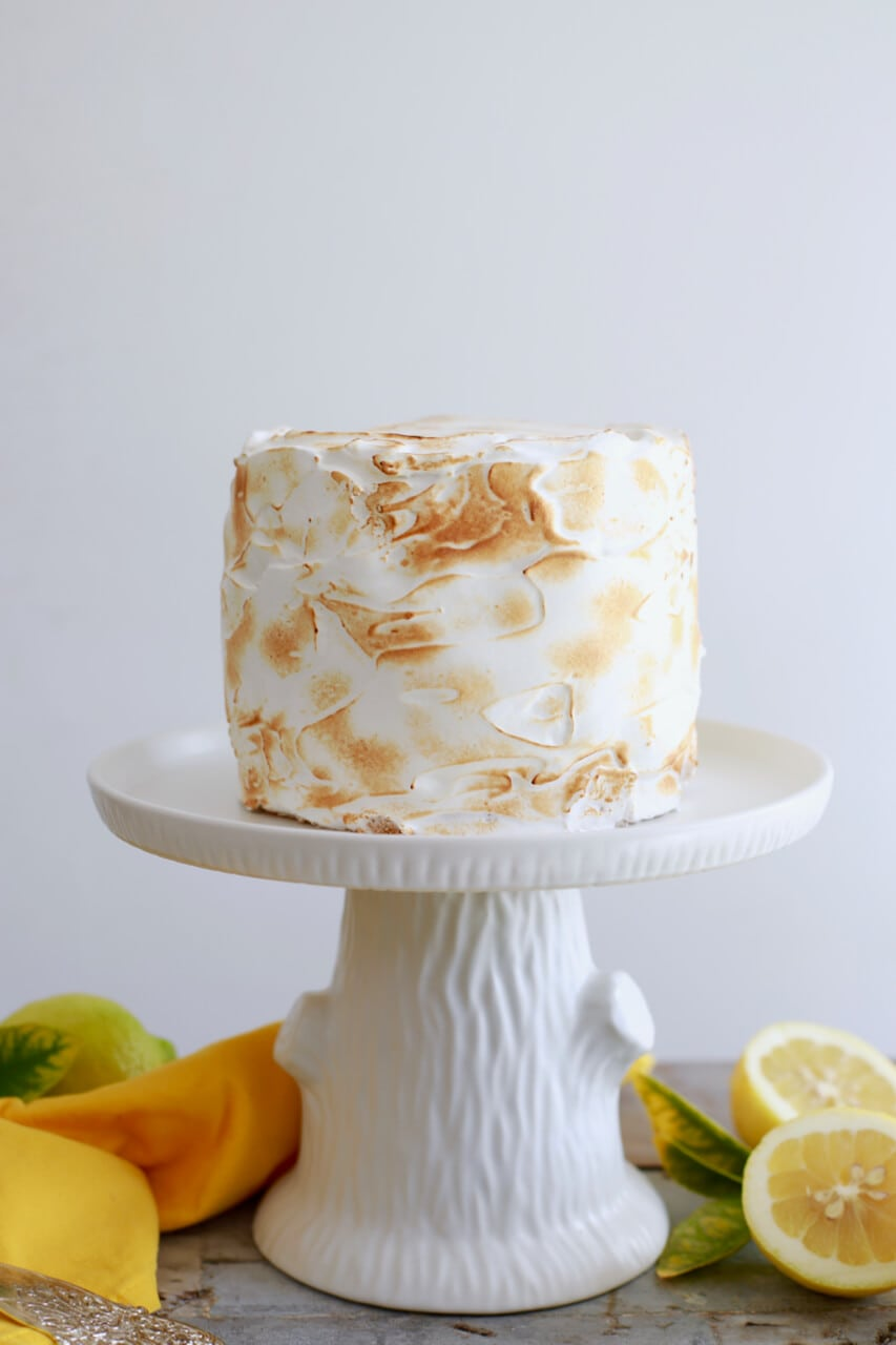 Lemon Meringue Cake, Lemon Meringue pie, Lemon Meringue, Easter desserts, easter cake, spring cake, spring desserts, lemon cake, cake recipes, amazing cake recipes, impressive desserts