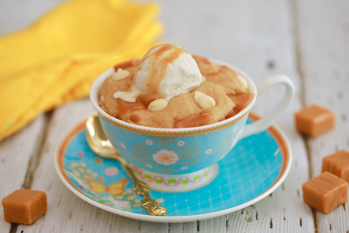 Microwave Mug Blondie Thee perfect single serve dessert that can be made in less than 5 minutes in the microwave