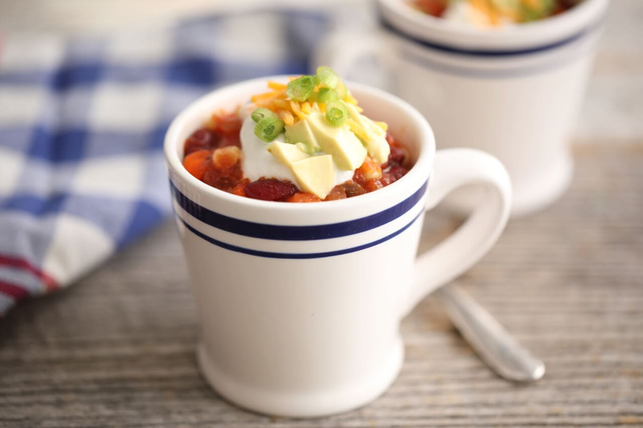 Microwave Mug Chili - Thee perfect single serve meal that can be made in less than 5 minutes in the microwave