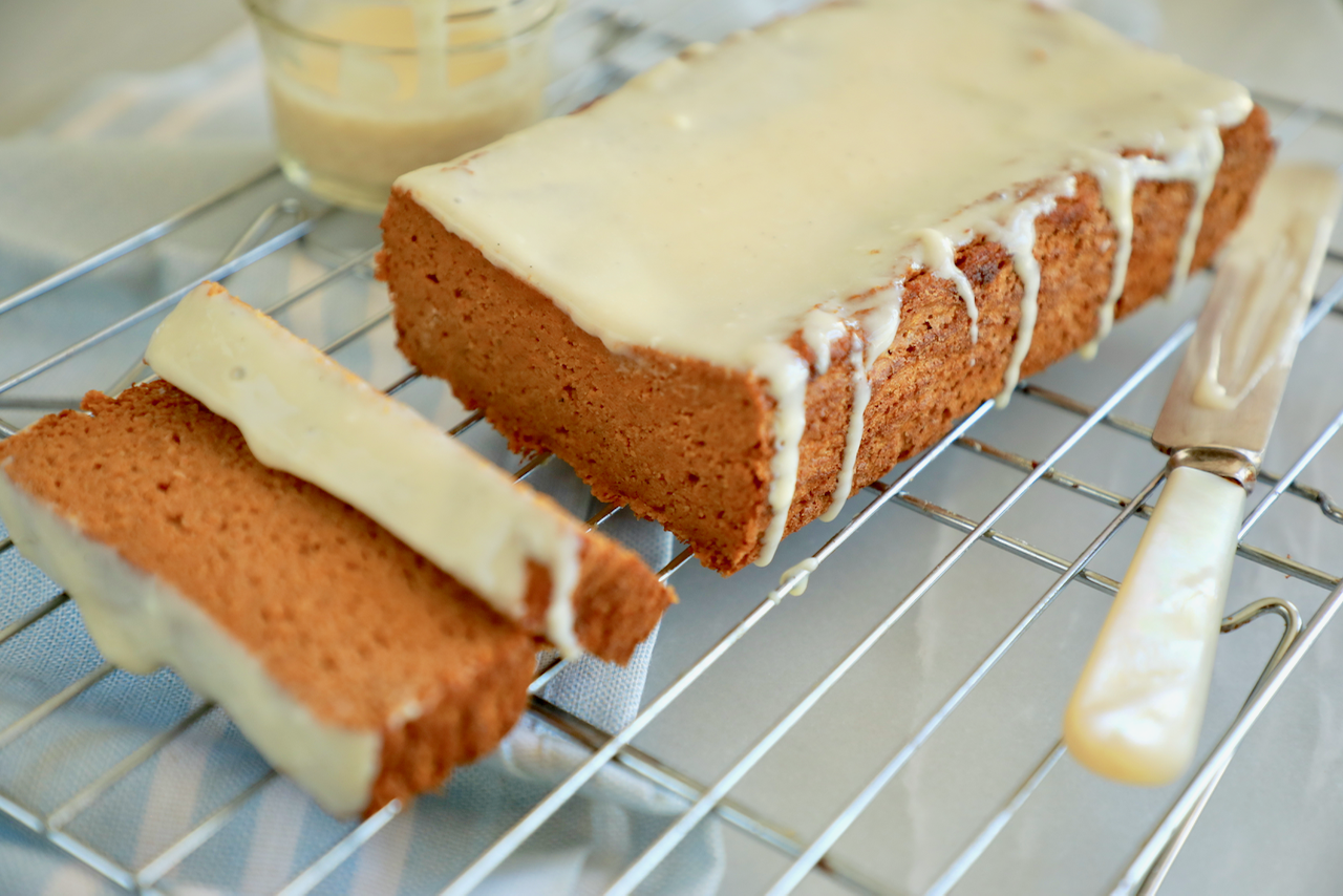 Healthy Pumpkin Bread with Cream Cheese Glaze