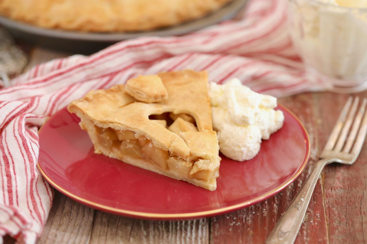 The Perfect Classic Apple Pie Recipe Gemma S Bigger Bolder Baking