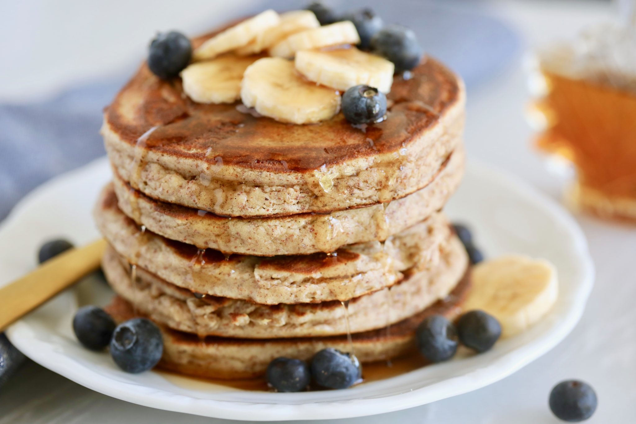 gluten free pancakes, paleo pancakes, gluten free pancakes recipe, paleo pancake recipe, paleo pancake mix best paleo pancakes, gluten free pancakes mix, paleo banana pancakes, how to make gluten free pancakes, gluten free pancakes help, homemade gluten free pancakes, homemade paleo pancakes, bigger bolder baking