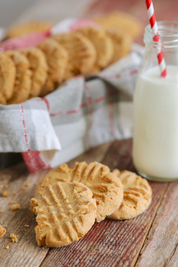 Peanut Butter Cookies, Peanut Butter Cookies Recipe, Easy Peanut Butter Cookies, How to Make Peanut Butter Cookies, Best Peanut Butter Cookies, Best Ever Peanut Butter Cookies, Peanut Butter, Peanut Butter Recipes, Peanut Butter Baking, Nut Cookies, Cookies, Best Cookies, Bigger Bolder Baking, Gemma Stafford