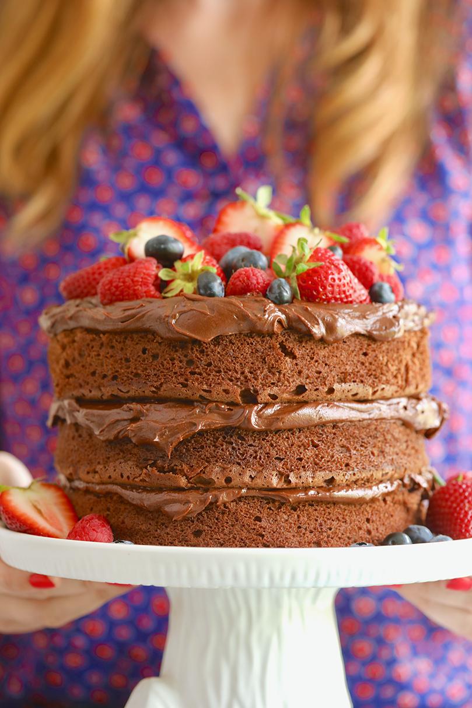 easy chocolate cake, easy chocolate cake recipe, microwave chocolate cake, microwave chocolate cake recipe, easy fast chocolate cake, fast chocolate cake, quick chocolate cake, microwave baking, microwave cake, baking in the microwave, easy cake, quick cake, fast cake, simple cake, chocolate cake, chocolate cake recipe, bigger bolder baking, gemma stafford