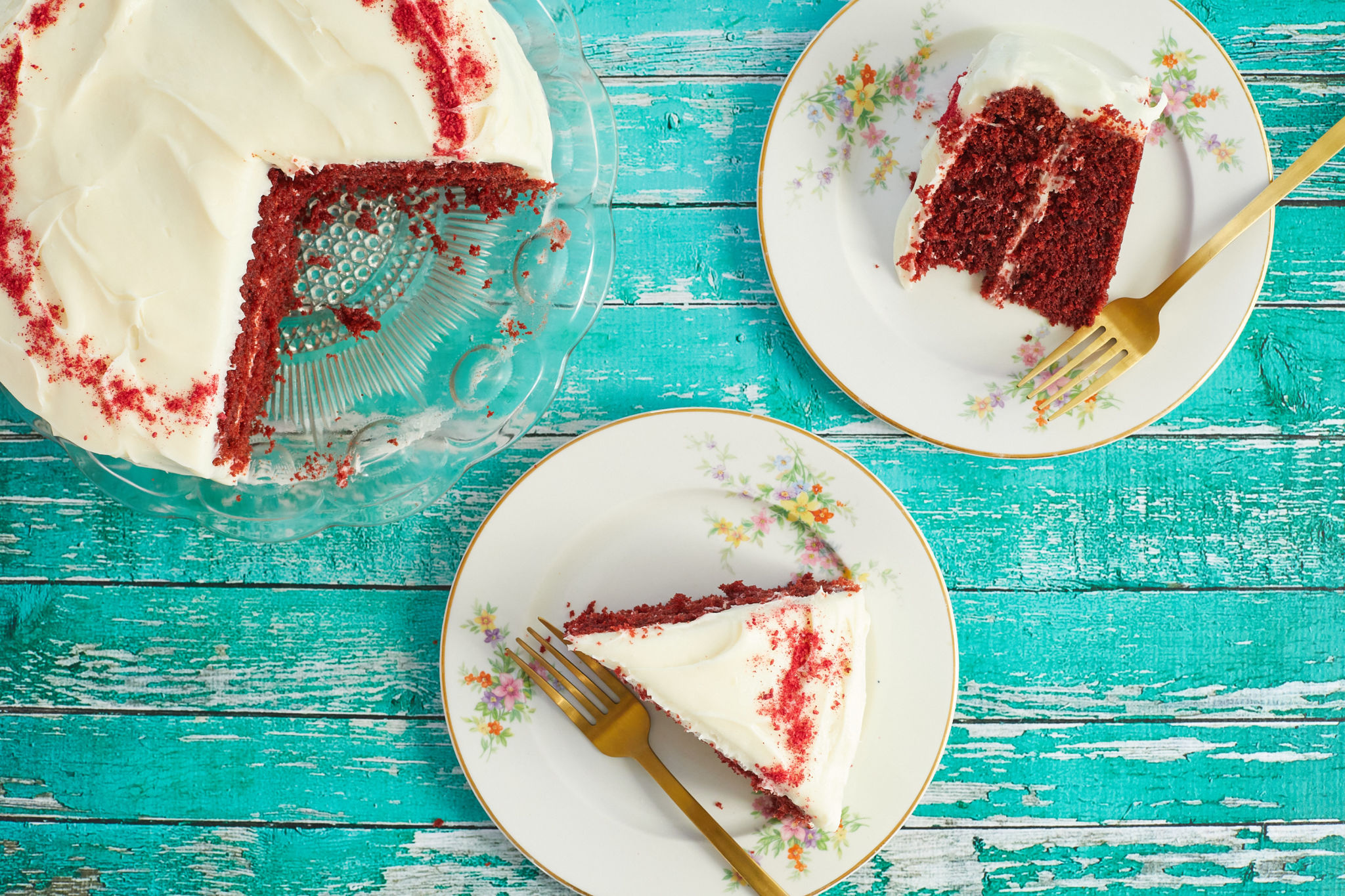 A top-down view of my best-ever red velvet cake.